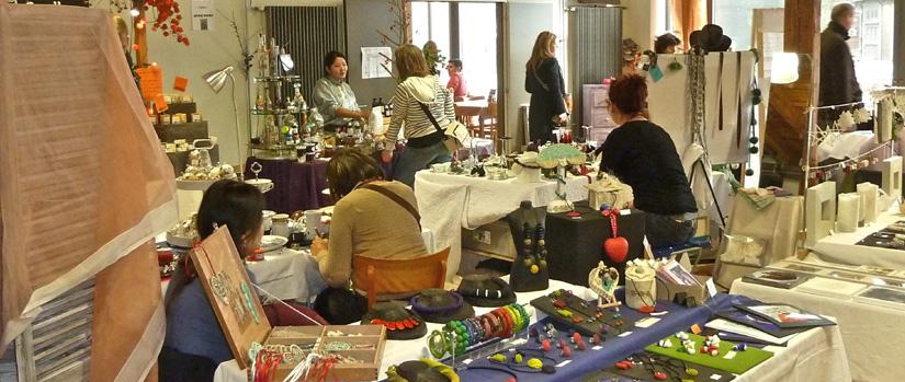 Ambiance Marché de Noël des Artisans Créateurs